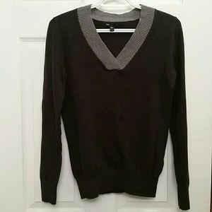 GAP Cross V-neck Sweater